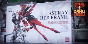 Daban Model 1/100 Metalbuild Astray Red Frame
