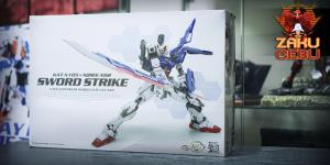 Dragon Momoko 1/100 MG GAT-X105+AQM/E-X02 Sword Strike Gundam